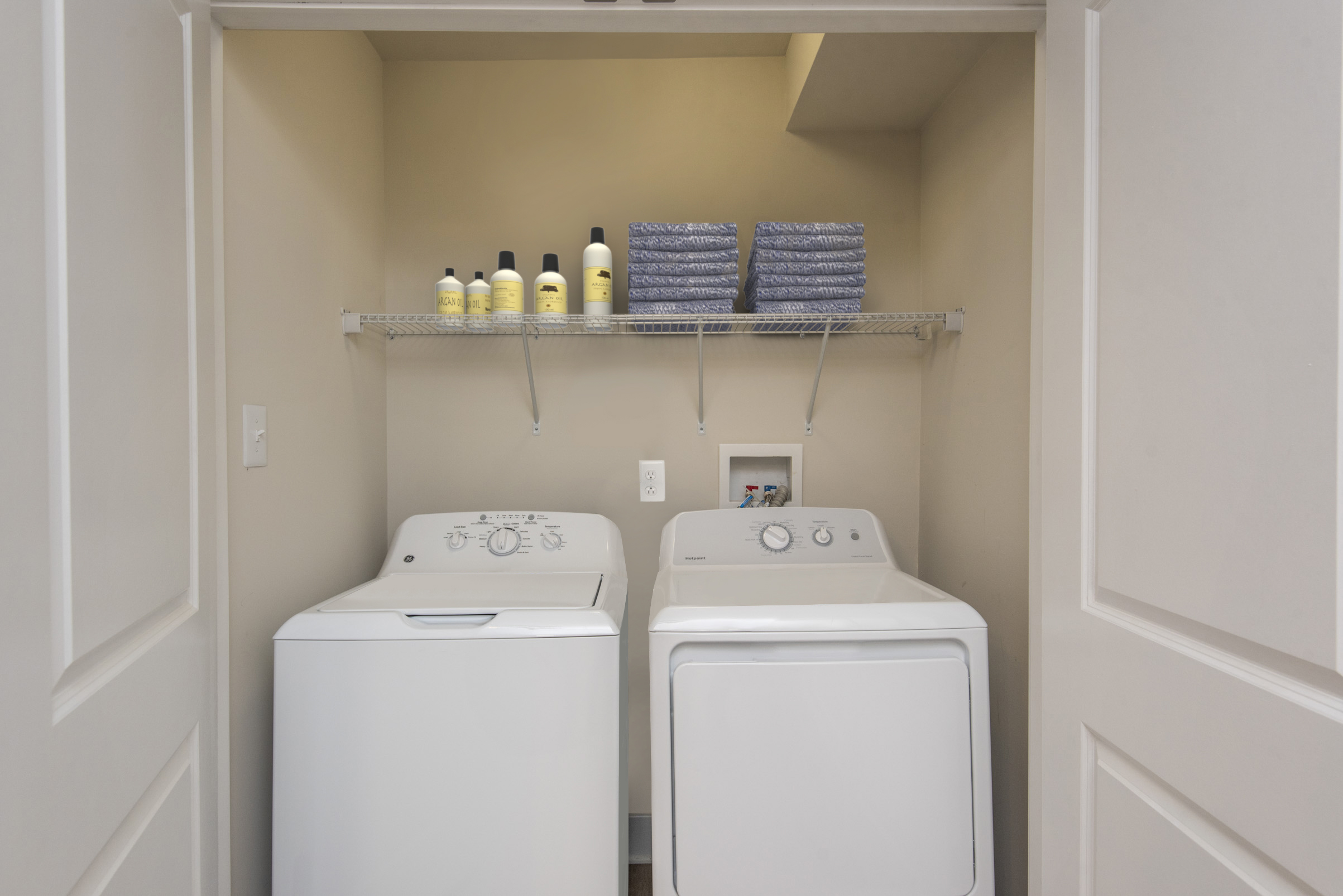 apartment in Newark DE with in-unit washer and dryer