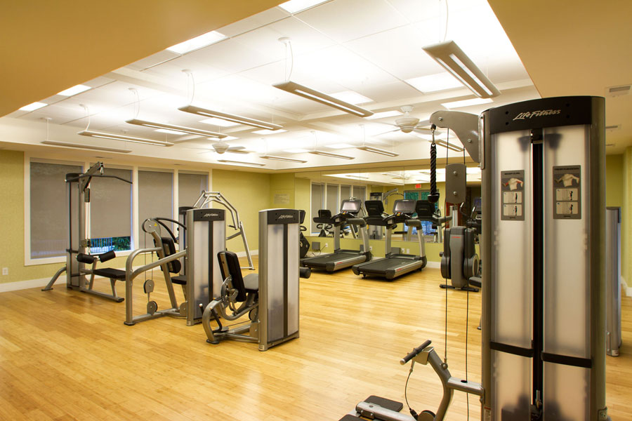 a clean, well-lit fitness center at Buckingham Place in Newark DE