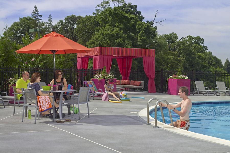 plaza-pool2