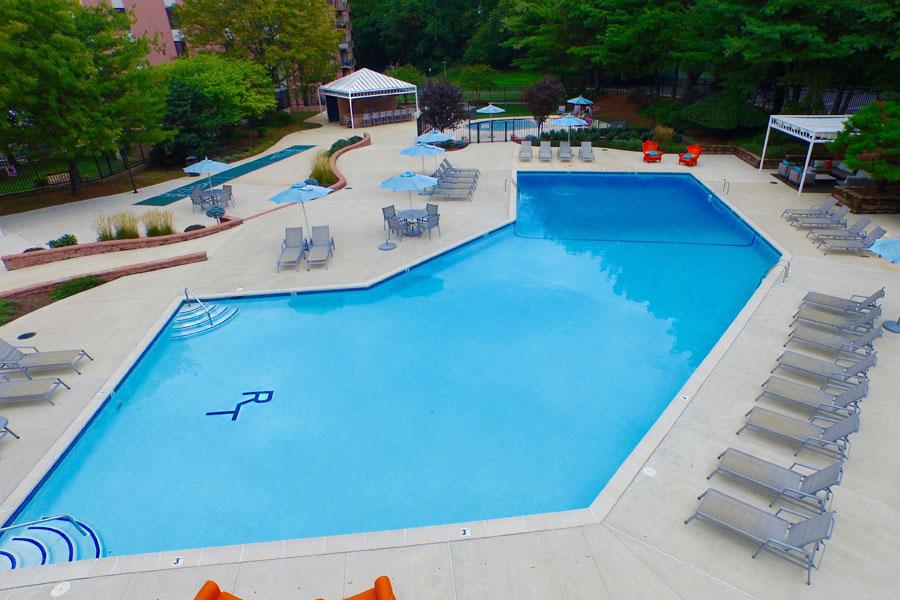 regency-pool2