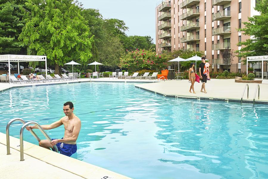 regency-pool4