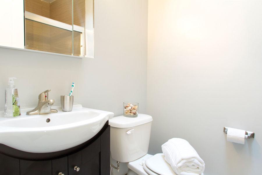 ridgecourt-bathroom2