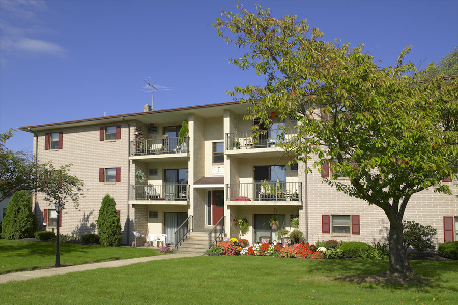 sprucecourt-exterior2