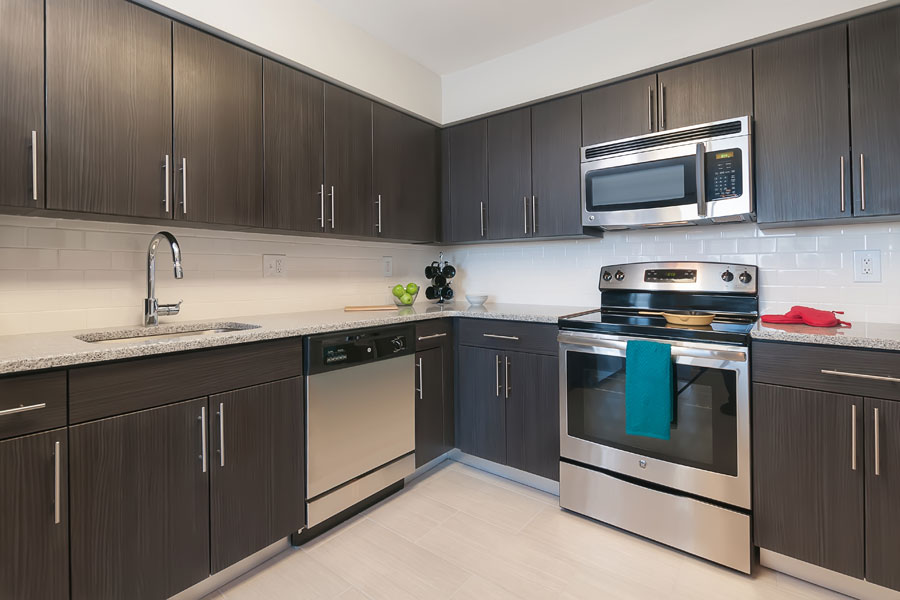 modern updated kitchen in the Whitney Apartments in Claymont DE