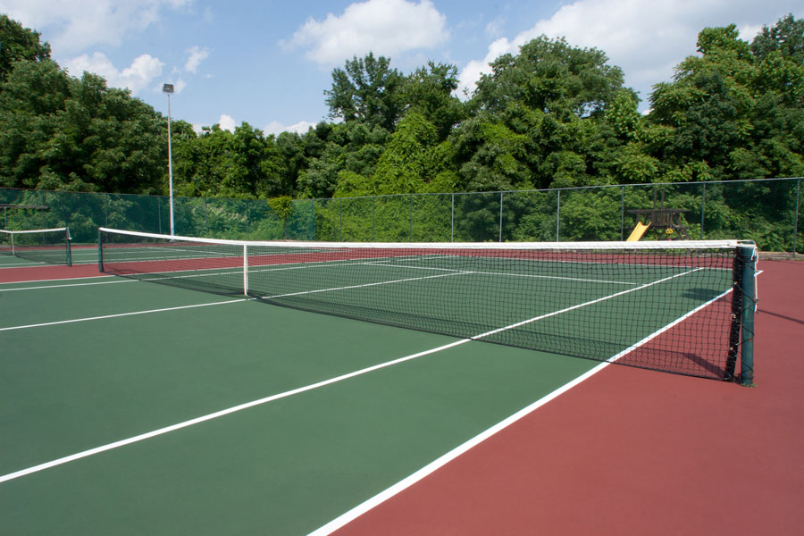 tennis court at Newak DE apartments