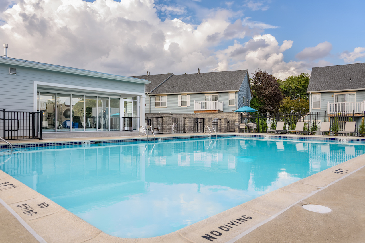 Sophias place east apartments in new castle de - Swimming pool discounters new castle pa ...