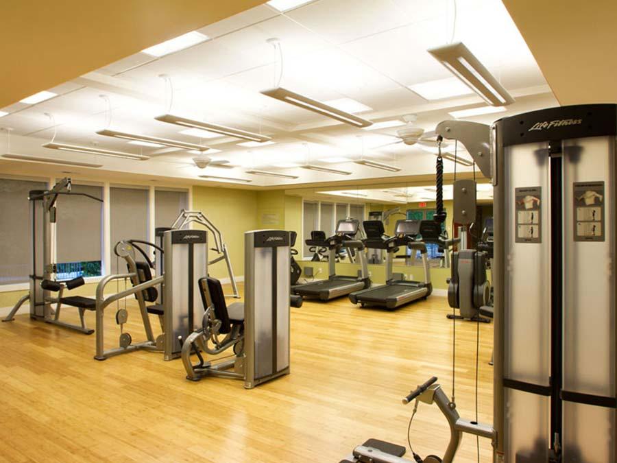a clean, well-lit fitness center at Buckingham Place in Newark DE