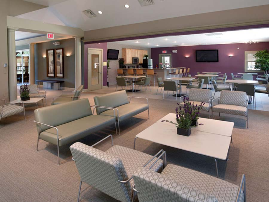 large community sitting area and café space in Castlebrook Apartments clubhouse in New Castle DE