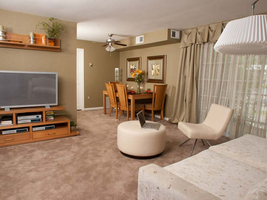 a fully furnished corporate housing option at Castlebrook Apartments in New Castle DE