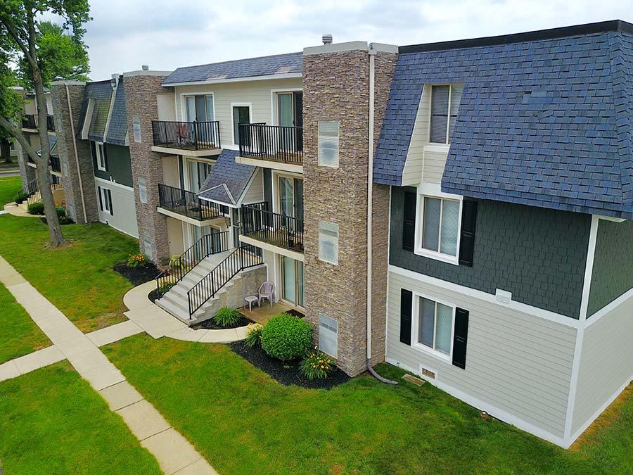 exterior of apartments in Newark DE