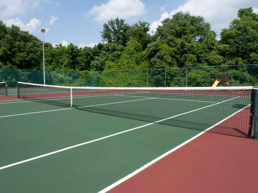 tennis court at Newak DE apartments