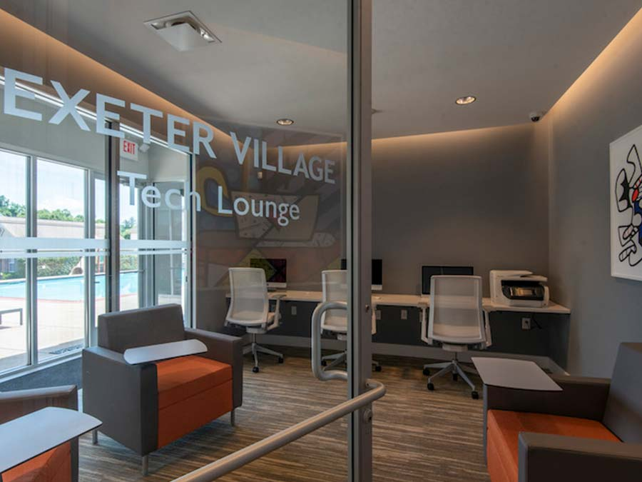 tech lounge available to residents of Reading PA apartments
