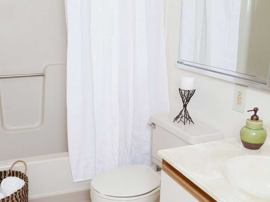 Hillside Apartments white bathroom