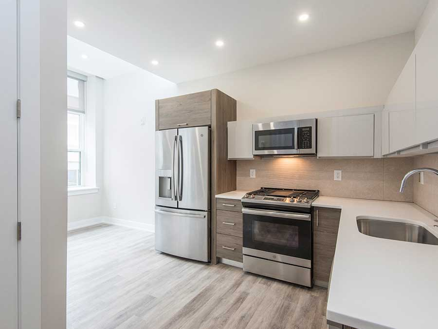 Jeweler's Row Apartments luxurious stainless steel appliances in kitchens
