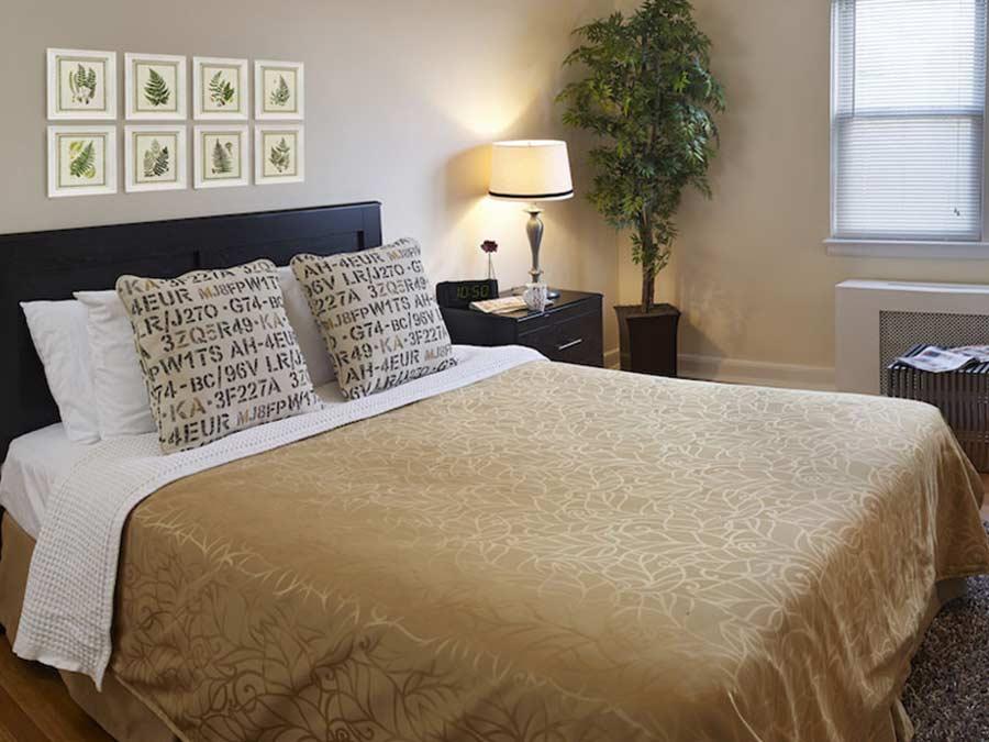 Montgomery Court bedroom