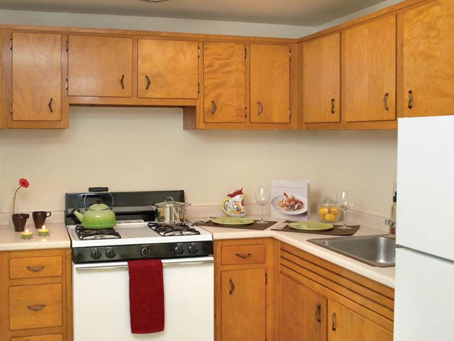 Pine Manor kitchen