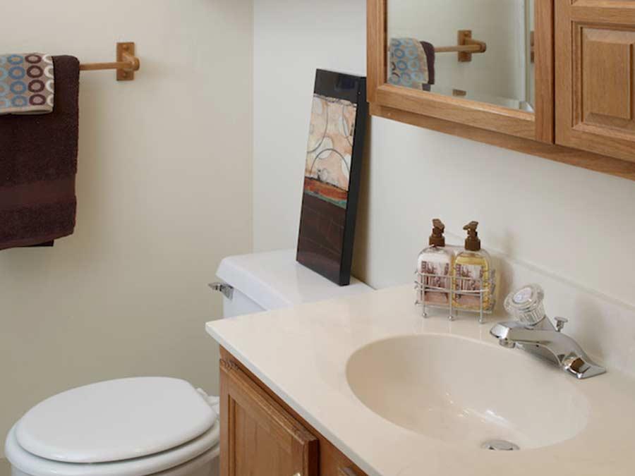Pottsgrove Townhomes bathroom