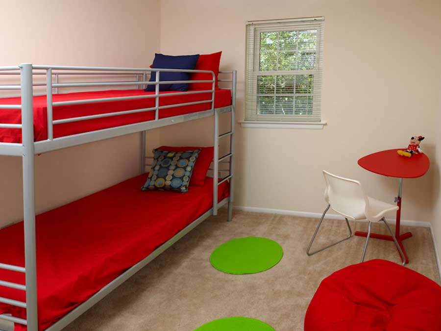 Pottsgrove Townhomes bedroom with bunk beds