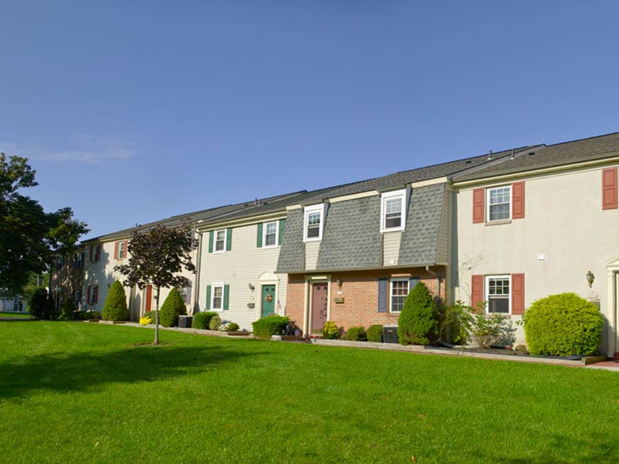Pottsgrove Townhomes exterior buildings