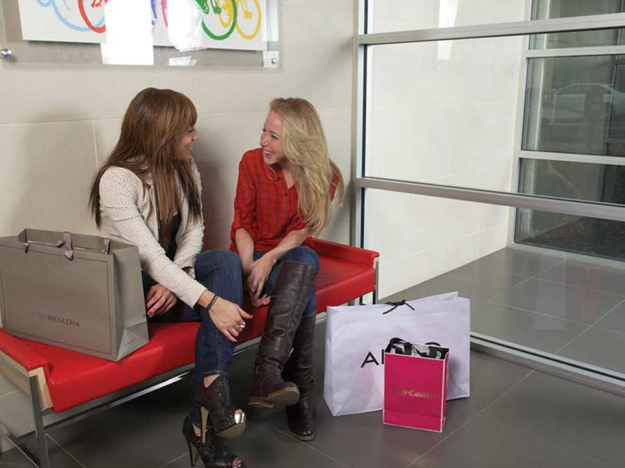 Ridgeview Apartments friends chatting in the lobby