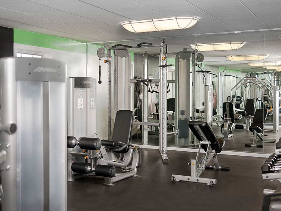 fitness center at New Castle DE apartment complex
