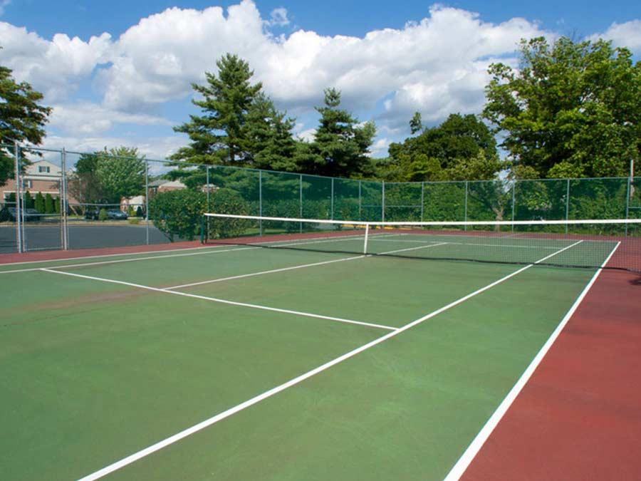 tennis court at New Castle DE apartment building
