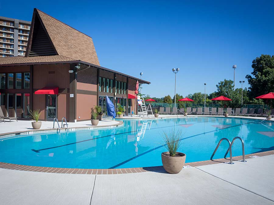 Valley Forge Towers swimming pool for apartment rentals